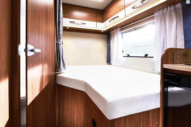 wohnmobile von awomi mieten 1 4 personen. Black Bedroom Furniture Sets. Home Design Ideas
