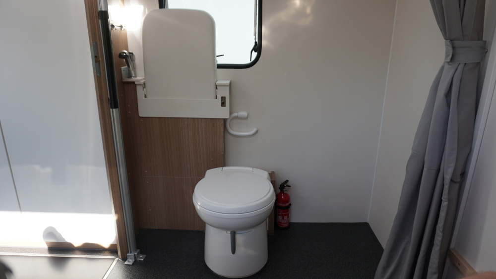 Sky-2-Innen-WC